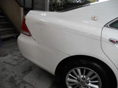 リヤフェンダーは交換すると、事故車扱いなので板金塗装