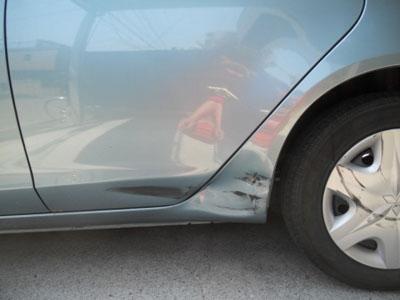 リヤドア・リヤフェンダー板金塗装  修理完璧に!永久保証で安心です。