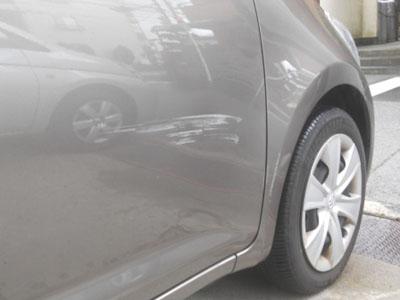 トヨタ・ラクティス ドア板金塗装、フェンダー修理