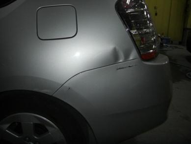 トヨタ・プリウス リヤフェンダーの修理
