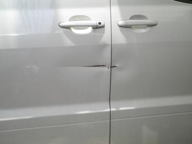 アルファードのドア板金塗装