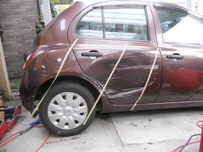 日産・マーチのドア交換、保険修理