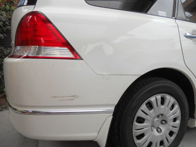 ホンダ・オデッセィ リヤバンパーの脱着修理 リヤフェンダーの板金塗装
