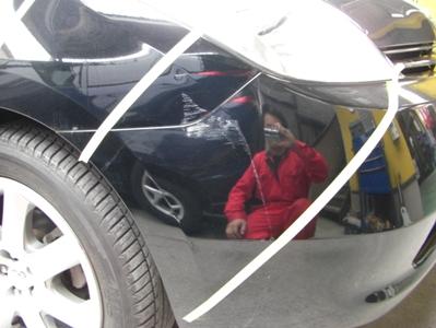 プリウスのバンパー、フェンダー部の修理事例です。