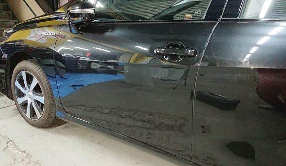 トヨタ・ミライのドア修理・板金塗装